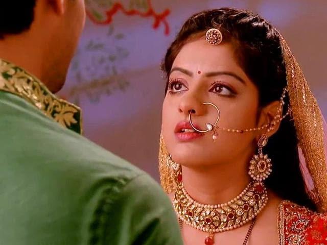 Deepika-Singh-as-Sandhya-in-Diya-Aur-Baati-Hum