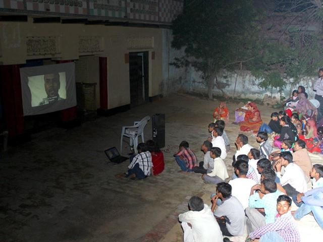 Villagers-at-Roop-Dhan-in-Agra-district-watch-the-banned-documentary-India-s-Daughter-on-Sunday-evening-HT-Photo