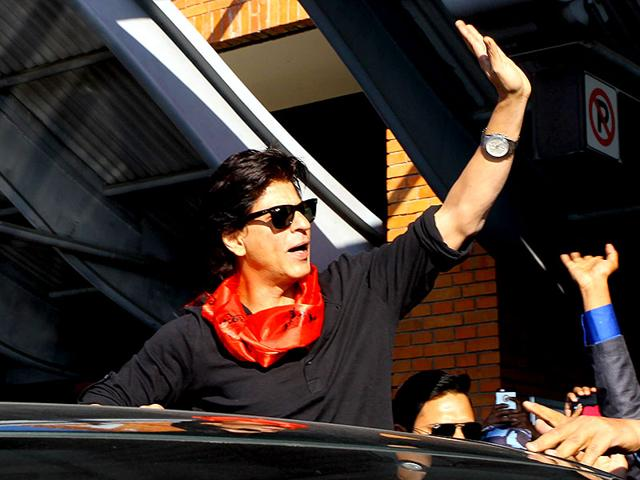 IN PICS: When Shah Rukh Khan painted Nepal red