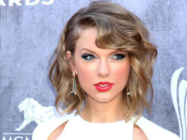 Taylor-Swift-was-believed-to-be-embarrassed-once-she-found-out-how-much-her-legs-were-worth-Photo-Shutterstock