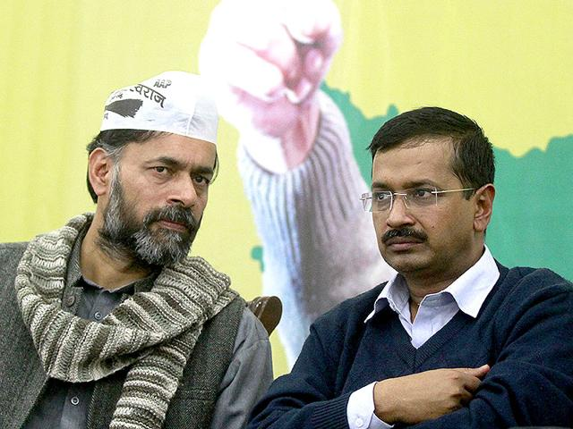 Arvind-Kejriwal-with-Yogendra-Yadav-during-a-meeting-with-AAP-workers-in-New-Delhi-on-Wednesday-December-3-2014-HT-Photo-Sanjeev-Verma