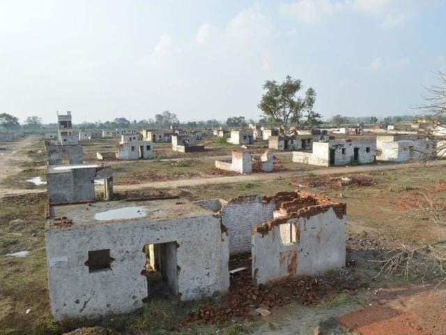 Row-after-row-of-makeshift-structures-stand-in-mute-testimony-to-neglect-of-Rohini-s-west-Delhi-sectors-by-DDA
