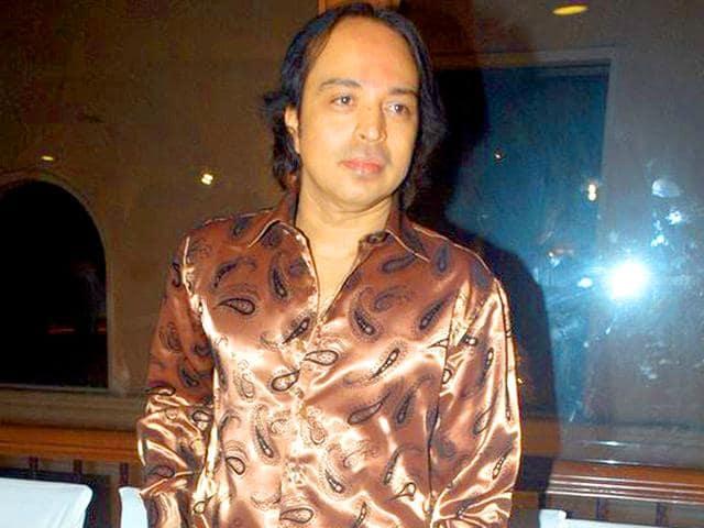 Singer-Altaf-Raja