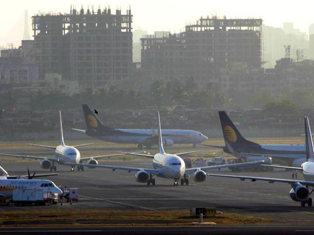 Racket busted: Customs seize 6.7kg gold within 3 hours at Mumbai airport