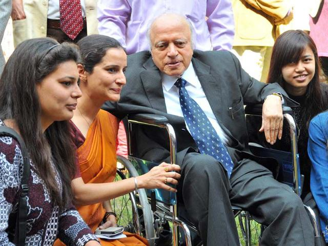 Professor-MS-Swaminathan-interacting-with-students-of-Botany-dept-at-Panjab-University-in-Chandigarh-on-Friday-Keshav-Singh-HT