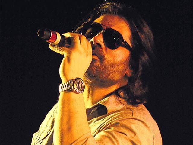 Shafqat-s-given-us-hits-like-Yeh-honsla-Dor-Tere-naina-My-Name-Is-Khan-and-Manchala-Hasee-Toh-Phasee