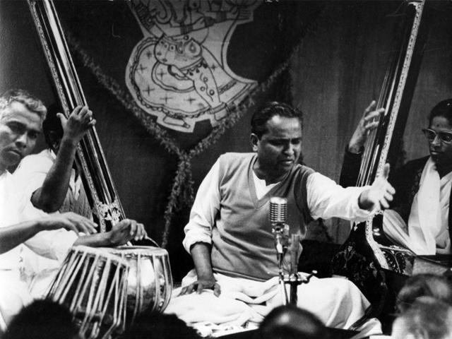 Pandit-Kumar-Gandharv-performs-at-a-concert-in-1968-Photo-Kumar-Gandharv-Pratishthan