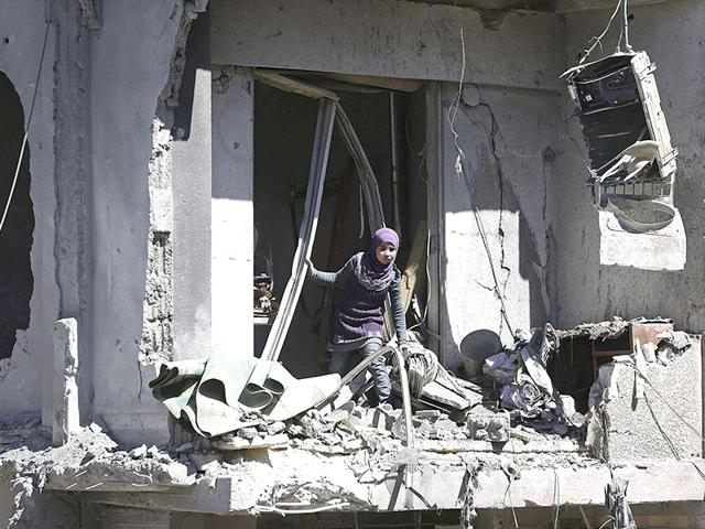 Syria: Rebel group fires rockets on Damascus, killing 11