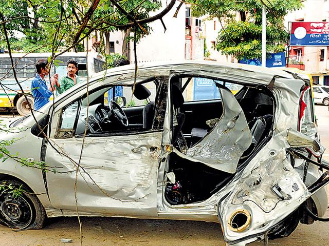 The-damaged-car-after-it-met-with-an-accident-at-Rao-Tula-Ram-Marg-Sonu-Mehta-HT-Photo
