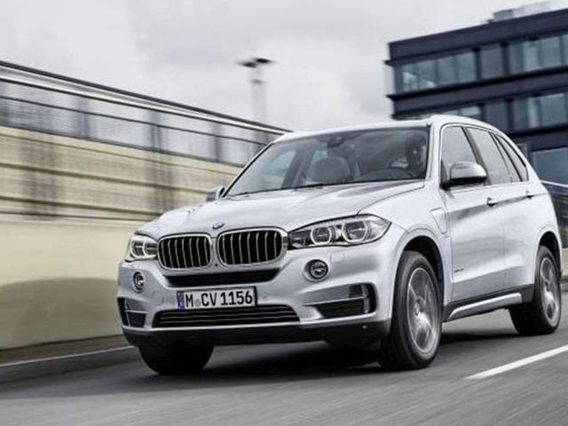 BMW-s-first-hybrid-SUV-Photo-AFP