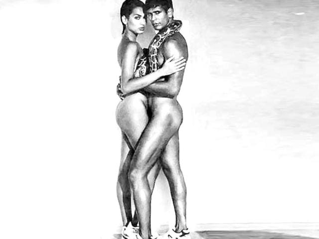 Milind-Soman-and-Madhu-Sapre-posing-nude-for-a-print-advertisement-for-Tuff-shoes