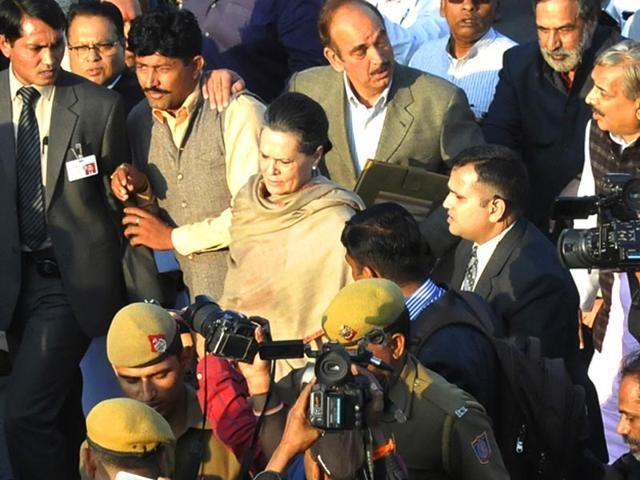 Congress-chief-Sonia-Gandhi-and-other-Opposition-leaders-during-a-march-from-Parliament-to-Rashtrapati-Bhavan-in-New-Delhi-HT-photo-by-Arvind-Yadav