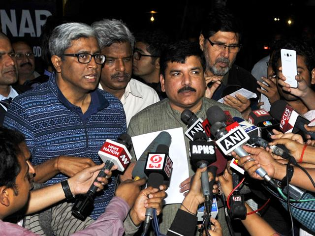 AAP-leaders-Sanjay-Singh-and-Ashutosh-speak-to-the-media-after-the-Aam-Aadmi-Party-s-PAC-meeting-at-Arvind-Kejriwal-s-house-on-Tuesday-Vipin-Kumar-HT-Photo