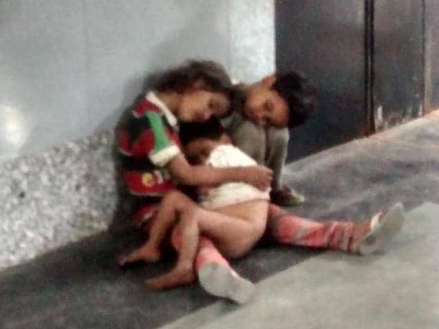 Twitter reunits kids,abandoned delhi kids,Nabi Karim