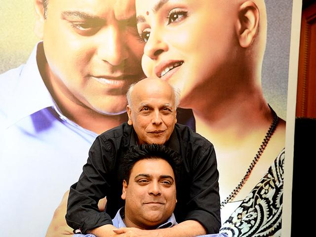 Mahesh-Bhatt-and-Ram-Kapoor-at-the-launch-of-Dil-Ki-Baatein-Photo-IANS