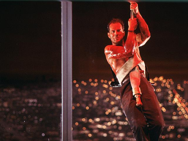 Bruce-Willis-in-the-famous-scene-from-Die-Hard
