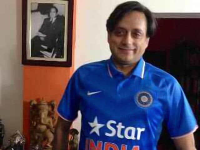 Congress-leader-Shashi-Tharoor-in-CWC-2015-attire-Agencies