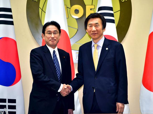 South-Korean-Foreign-Minister-Yun-Byung-Se-R-with-his-Japanese-counterpart-Fumio-Kishida-L-during-their-meeting-at-the-Foreign-Ministry-in-Seoul-Reuters-Photo