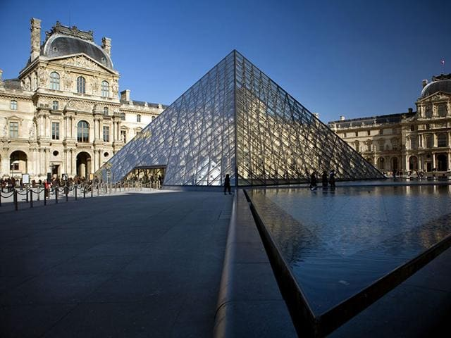 The-Louvre-is-launching-a-Pyramid-Project-to-improve-entry-for-visitors-Photo-AFP