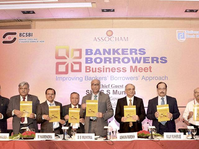 SS-Mundra-Fifth-from-left-Dy-Governor-Reserve-Bank-of-India-RBI-along-with-ASSOCHAM-Bankers-Borrowers-Business-Meet-in-New-Delhi-on-Monday-PTI-Photo