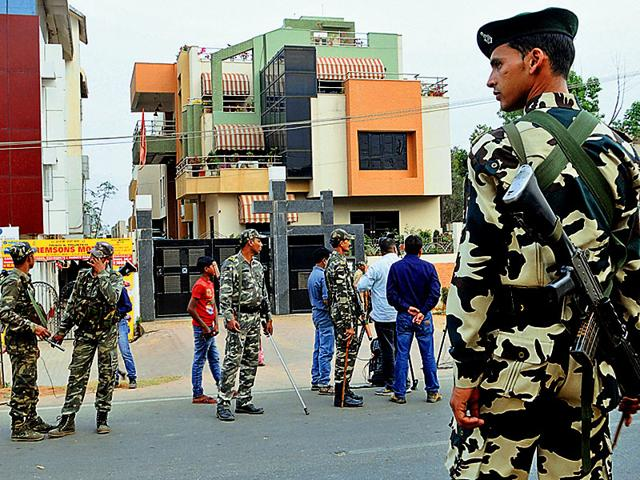 Heavy-security-has-been-deployed-outside-MS-Dhoni-s-residence-in-Ranchi-after-India-lost-their-2015-World-Cup-semifinal-match-against-Australia-Parwaz-Khan-HT-Photo