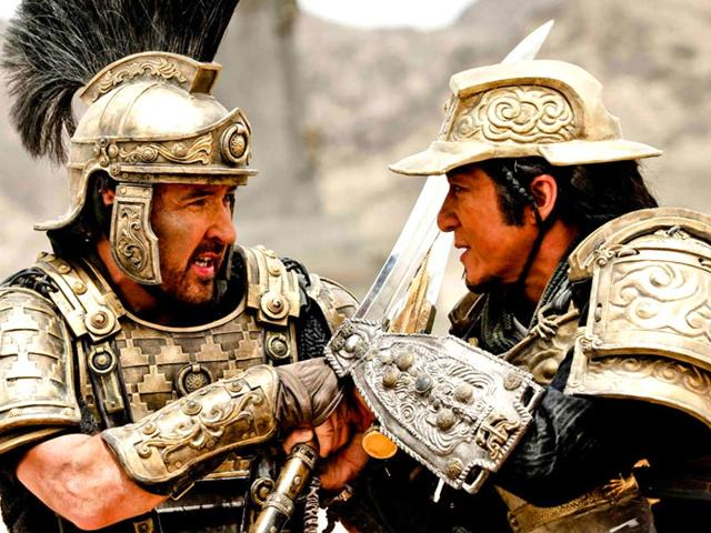 John-Cusack-and-Jackie-Chan-in-a-swordfighting-scene-from-Dragon-Blade