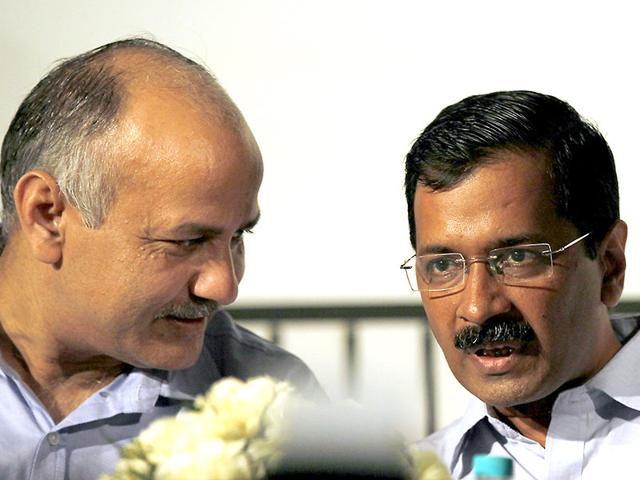 Dissident-AAP-leaders-Prashant-Bhushan-and-Yogendra-Yadav-during-a-press-conference-in-New-Delhi-on-Friday-Arvind-Yadav-HT-Photo