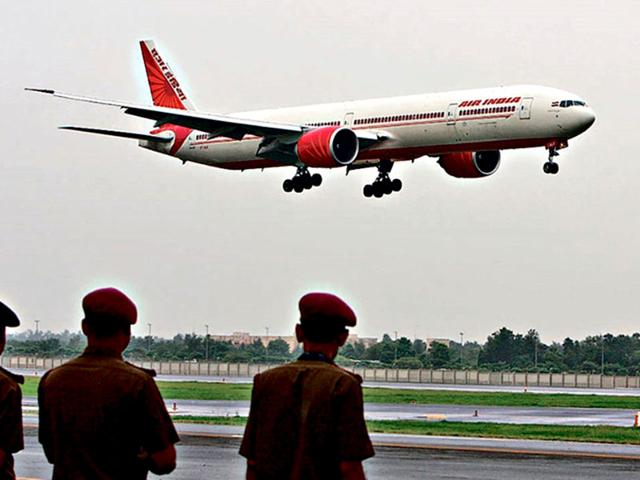 According-to-aviation-sources-five-Pakistani-nationals-with-fake-numbers-had-insisted-on-meeting-the-captain-on-a-recent-Air-India-flight-to-London-HT-File-Photo