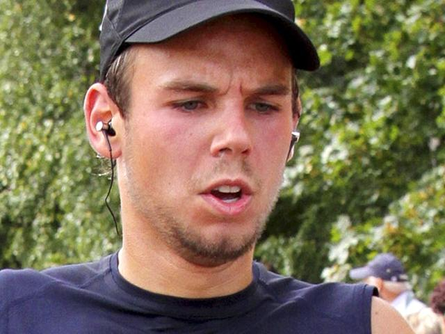 Andreas Lubitz sped up Germanwings jet before crash: French agency