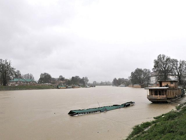 A-view-of-Jhelum-river-following-incessant-rains-in-Srinagar-Waseem-Andrabi-HT-Photo