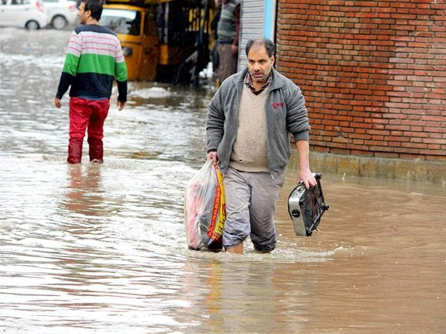A-flooded-road-is-seen-in-the-centre-of-Srinagar-after-heavy-rainfall-AFP-Photo