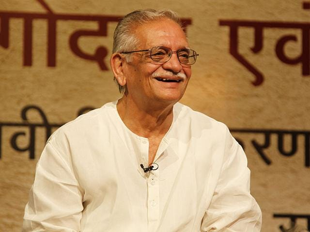 Poet-and-filmmaker-Gulzar-speaking-at-an-event-HT-Photo