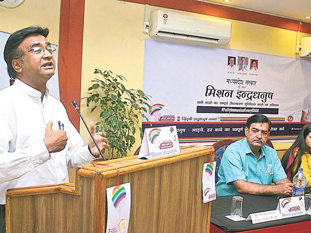 Principal-secretary-health-department-Pravir-Krishn-addresses-the-media-in-Bhopal-on-Monday-Bidesh-Manna-HT-photo