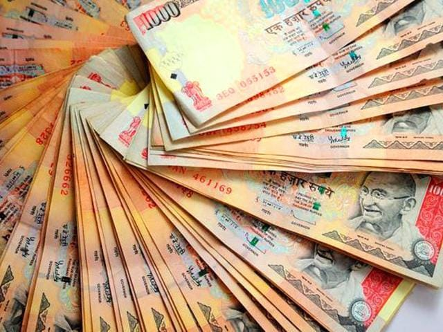 Rupee falls to fresh 2-year low at 65.54 against USD