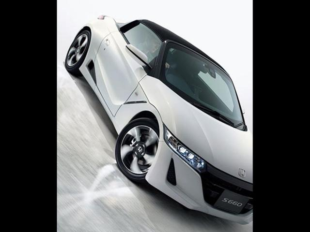 The-car-takes-its-design-cues-from-the-Honda-NSX-Photo-AFP