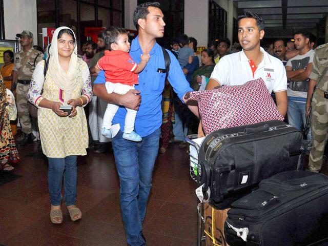 indians evacuated from yemen,yemen crisis,indians in yemen