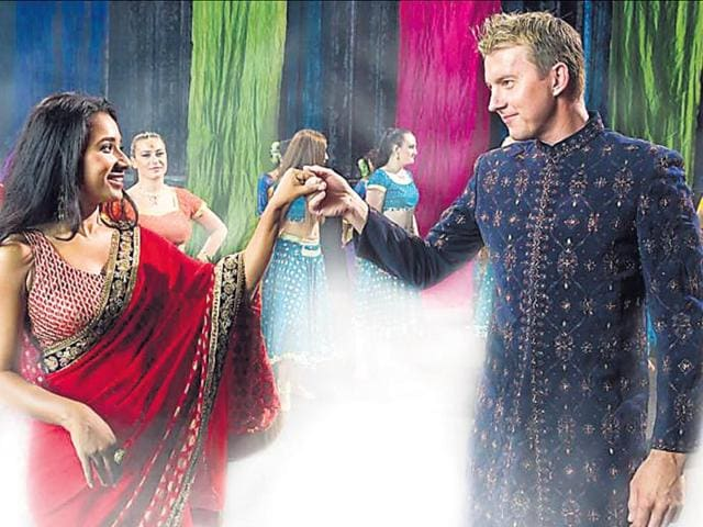 Tannishtha-Chatterjee-and-Brett-Lee-in-a-still-from-the-film-UnIndian