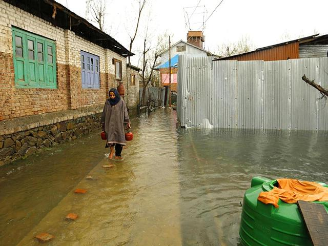 Avalanche warning in Jammu and Kashmir districts after fresh rainfall