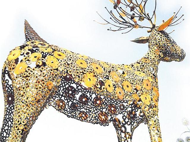 Gopal Namjoshi,Gopal Namjoshi Artwork,Art Pieces From Junk