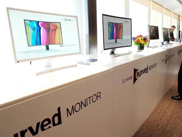 Samsung-Electronics-America-introduces-three-new-curved-monitors-at-the-Rainbow-Room-in-New-York-Photo-AP