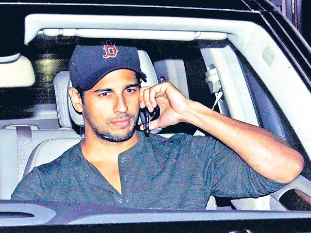 Sidharth Malhotra was spotted in Mumbai. (HT photo)