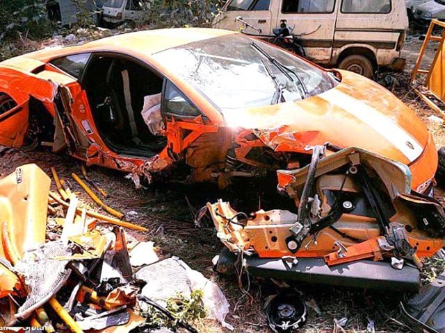 Get Set Crash It Didn T End Well For These Super Cars In India