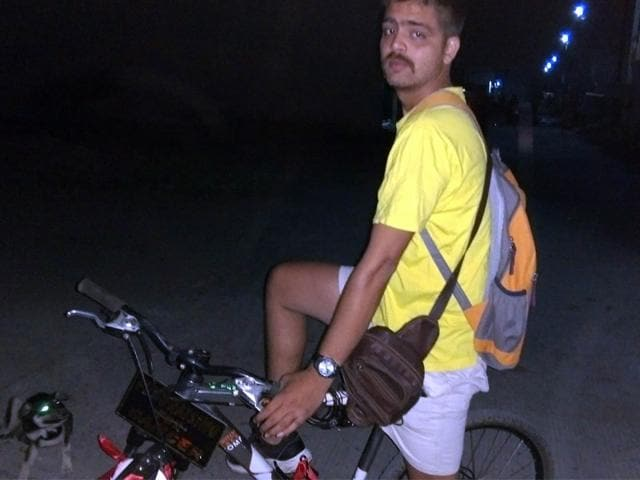 Sumit-Singh-will-travel-to-100-cities-1-000-villagers-and-more-than-2-000-schools-across-the-country-HT-photo