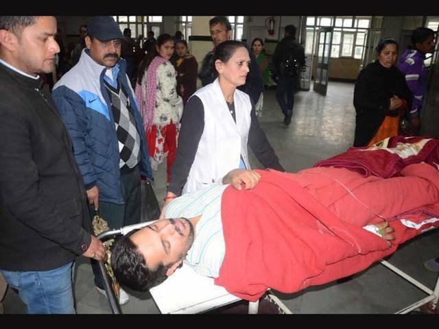 Kashish-Khanna-19-suffered-gunshot-injuries-and-was-admitted-to-the-local-Indira-Gandhi-Medical-College-Santosh-Rawat-HT