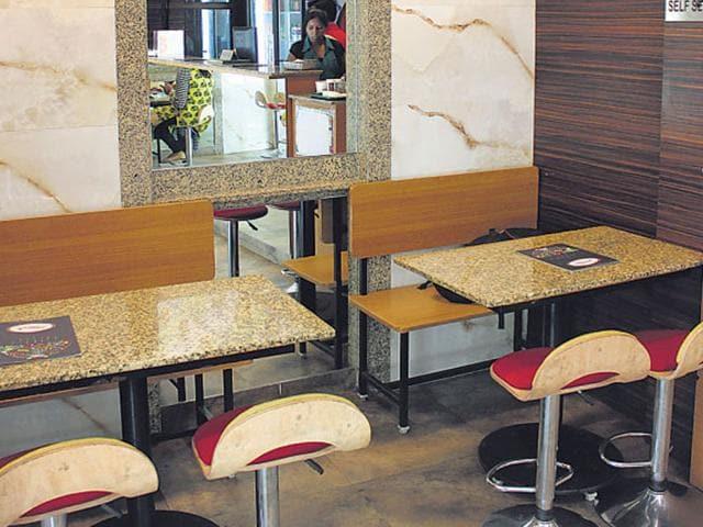 Kurries & Burries,Café Mex-Asian