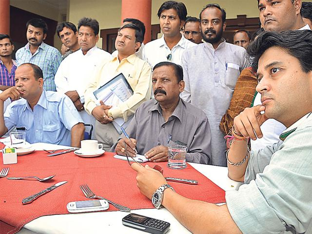Govt has failed to rein in sand mafia activities in MP: Scindia