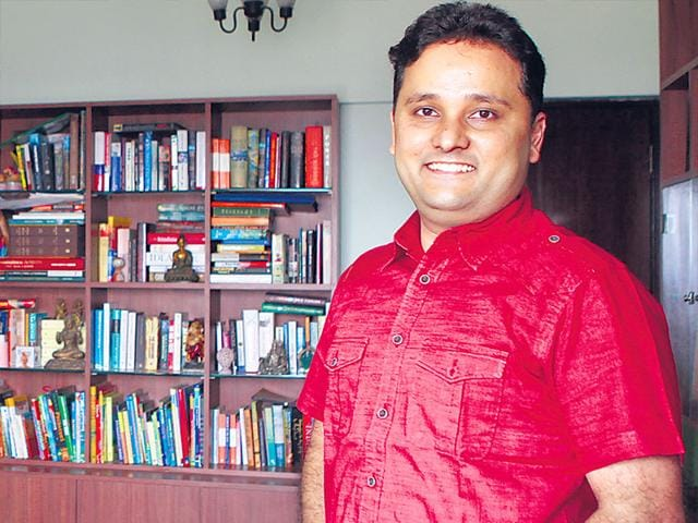 Amish-Tripathi-is-just-a-couple-of-weeks-away-from-launching-his-ambitious-new-book-the-first-part-in-the-Ram-Chandra-Series-Scion-of-Ikshvaku