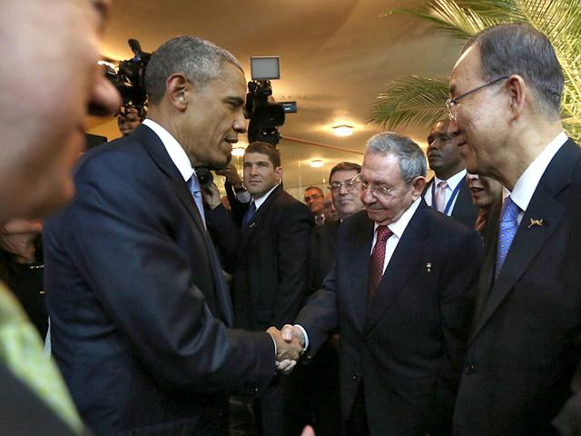 Obama and Castro shake hands, begin new chapter in US-Cuba relations