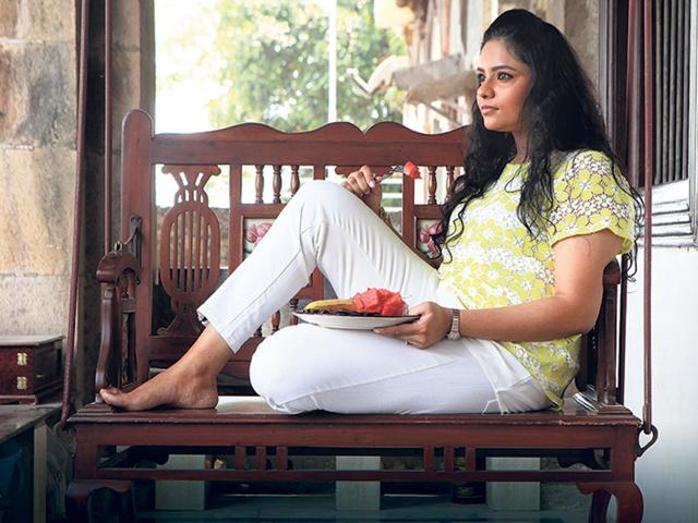 Mumbai-resident-Krutika-Jigar-thought-eating-less-carbs-and-eating-at-home-equalled-eating-healthy-A-visit-to-a-nutritionist-led-her-to-change-her-diet-and-include-more-fruits-and-nuts-She-now-eats-more-and-more-often-but-has-lost-9-kg-in-three-months-Photo-HT-Anshuman-Poyrekar