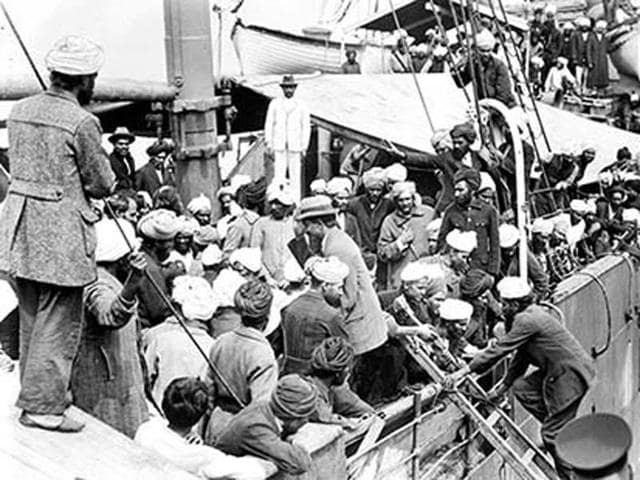 Archival-photo-of-the-crowded-deck-of-the-Komagata-Maru-in-Vancouver-harbour-in-1914-Vancouverdesi-com-HT-Photo